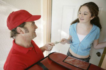 Home Delivery of Food: Bon Appétit At The Doorstep Of Foodies
