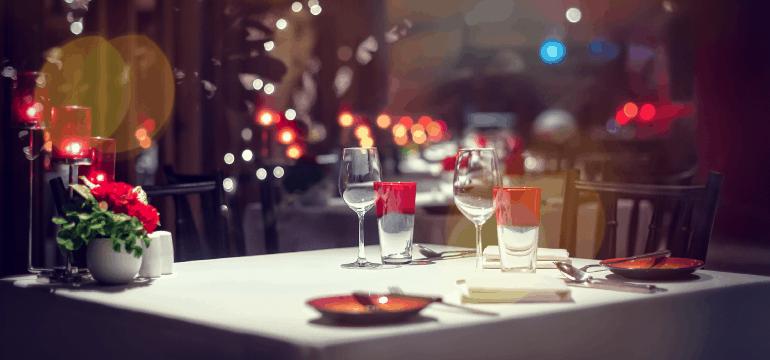 fine-dining-restaurant-table-setting